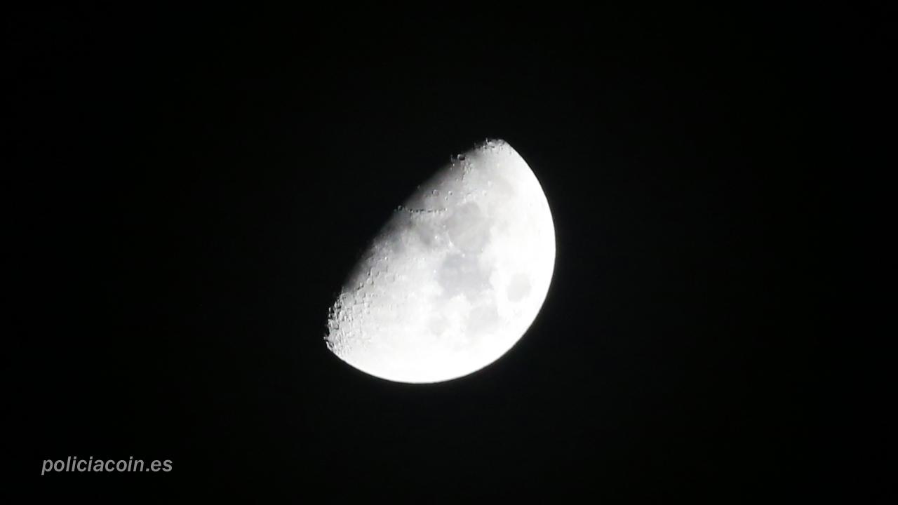 Luna 2015-03-29 0100